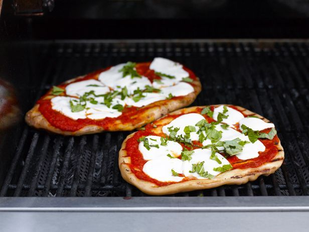 Crowd-Pleasing Grilled PizzasDough Recipe, Food Network, Grilled California, Foodnetwork Com, Grilled Time, Pizza Recipes, Humm Food, Summer Cookouts, Grilled Pizza Recipe