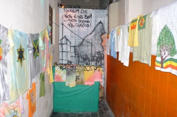 As primeiras camisas.... A primeira exposição, e ainda nem tinha nome, nem era Fruto de Jah  Acho que abril, mas o ano é 2010. Lapa - RJ
