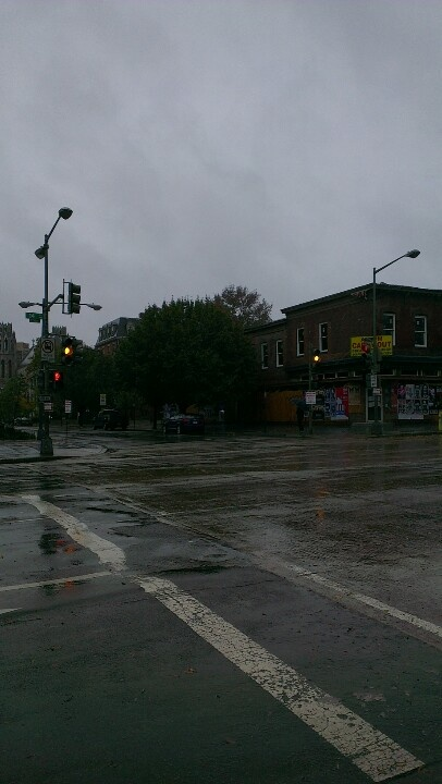 No Obama-campaigning today and no traffic in WDC due to the #hurrican Sandy, also called frankenstorm.