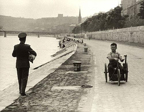 © Jean Marquis / Magnum Photos - Ungarn, Donaukai, Budapest, Ungarn, 1954