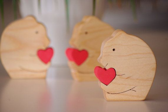 Wooden bear, wooden home decor bear, wooden wedding favours, wooden cute bear, gift for girlfriend, wooden Valentine's day gift, love gift