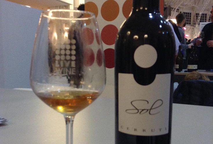 Moscato Passito Sol 2012 di Cerruti Ezio a Live Wine 2017. Vini artigianali, bio o non bio, ma l'importante è che nei vini i vignaioli ci mettano l'anima.