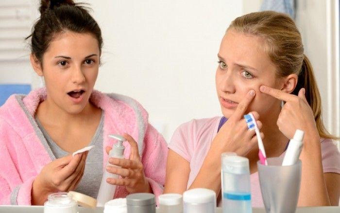 Τι είναι το σαλικυλικό οξύ και γιατί περιέχεται σε τόσα προϊόντα ομορφιάς