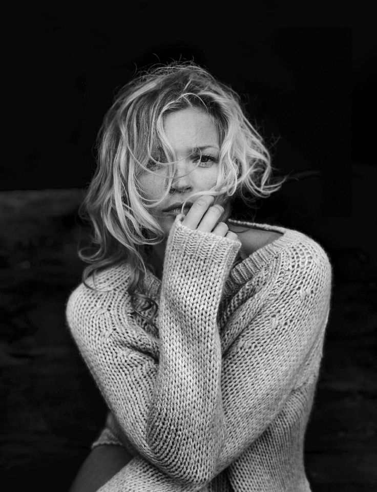 Beauty Publication: Vogue Italia October 2016 Model: Kate Moss Photographer: Peter Lindbergh