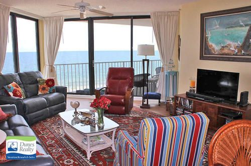 One Ocean Place 702 – Garden City Beach Rental Bedrooms: 2 | Baths: 2 Full | Accommodates: 4 | Oceanfront | 1990 North Waccamaw Drive | Ocean Front (North) | 1.2 mi North of Garden City Pier
