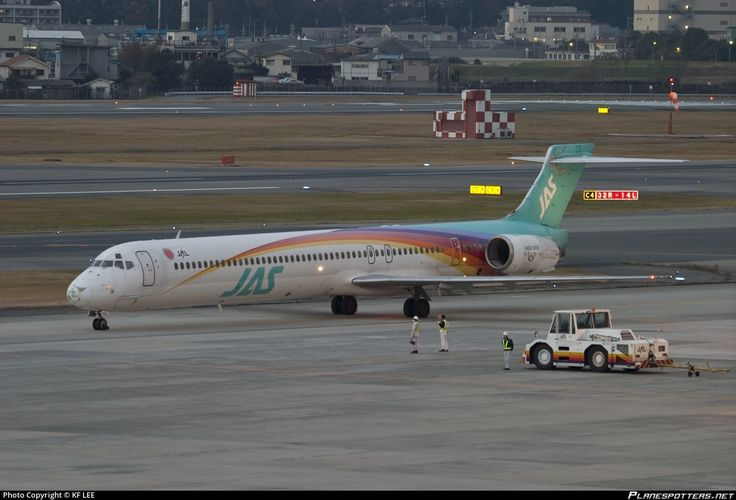 JA8066 Japan Air System (JAS) McDonnell Douglas MD-90-30 photographed at Osaka - Itami International (ITM / RJOO) by KF LEE