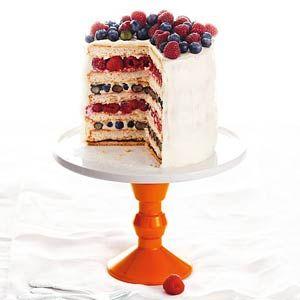 Feestelijk fruitige taart in rood, wit & blauw, klik op de foto voor het recept! / Festive fruity cake in red, white & blue