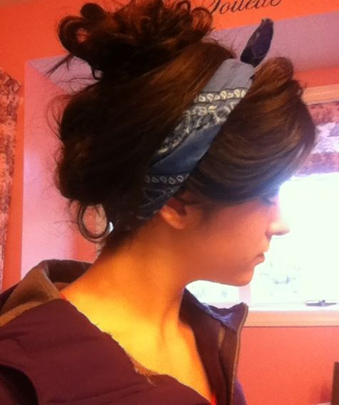 Top 5 ways to wear a bandana in your hair. Pin now read later http://www.coveryourhair.com/blog/5-tricks-how-to-wear-a-bandana