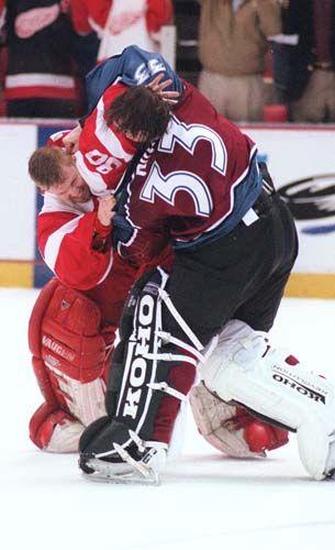 Chris Osgood vs Patrick Roy, 04/01/1998