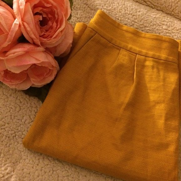 ‼️Banana Republic‼️ Banana Republic mustard skirt size 4 Banana Republic Skirts High Low