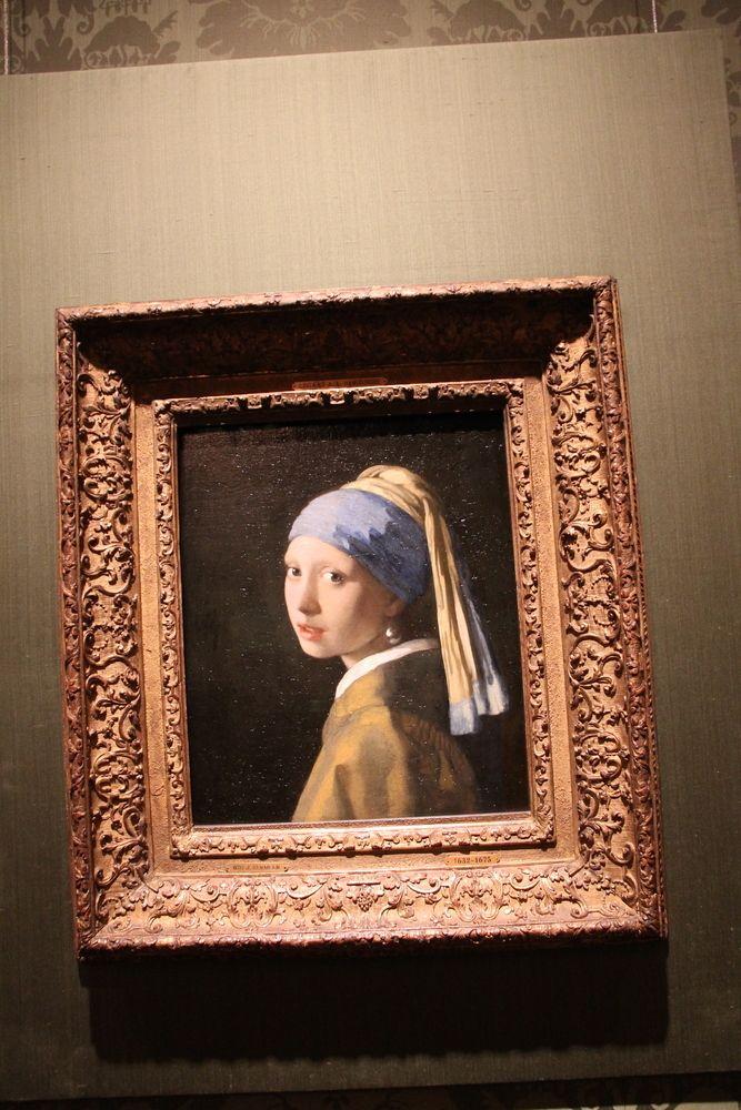 """Obraz """"Dziewczyna w perłowych kolczykach"""" w holenderskim muzuem narodowym Mauritshuis"""