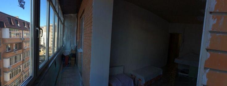 Cданные дома / 2-комн., Краснодар, Прокофьева, 2 000 000 http://krasnodar-invest.ru/vtorichka/2-komn/realty184626.html  Продаю свою квартиру. Частично ремонт сделан. В обеих комнатах обои, ламинат, потолки, розетки все есть. Шкаф купе, диван. На кухне стены отшпатлеваны, холодильник, эл.плита есть. В сан узле нет ремонта, но есть новая ванна, унитаз, стиральная машина. Балкон большой на всю ширину квартиры застеклен. Все новое. Рядом гипермаркет Лента, 10 минут до Красной Площади, 15 минут…