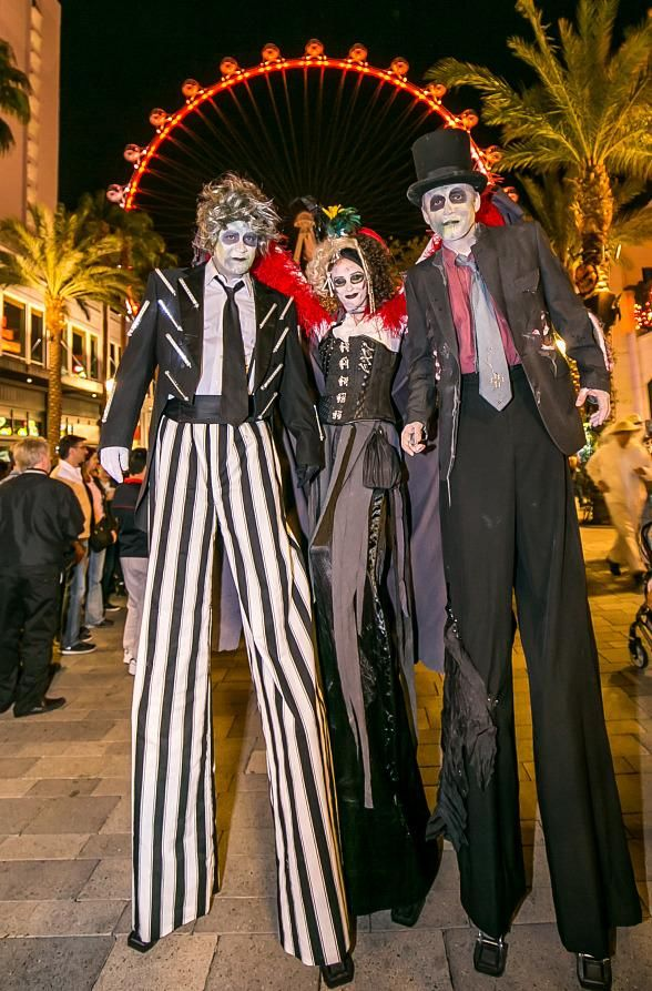 The LINQ Promenade and High Roller Pull Out All the Trick & Treats for Halloween (Photo: © Jeff Ragazzo /www.kabikphotogroup.com)