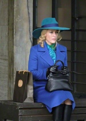 """Gillian Anderson - Filming """"Hannibal"""" Set in Florence"""