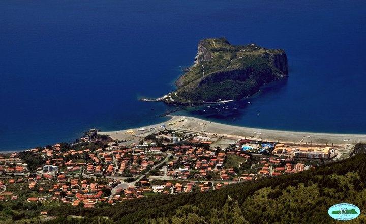 L'Isola di Dino e l'eco-turismo