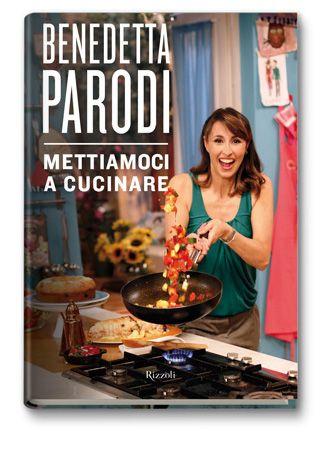 Nelle pagine colorate di questo nuovo volume, Benedetta continua a condividere aneddoti di vita personale, episodi divertenti ed esperienze di successi (ma a volte anche utilissimi insuccessi) culinari.