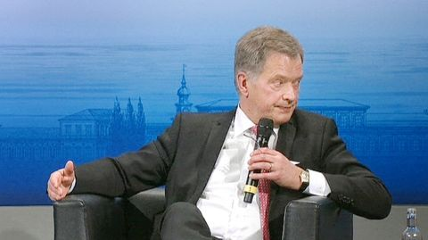 Speaking at the Munich Security Conference on the Ukrainian crisis, President Sauli Niinistö reaffirmed Finland's support for international sanctions against Russia. The President also discussed Finland's history as Russia's neighbour. Niinistö was one of the key speakers in a presidents' panel discussion at the Munich conference.