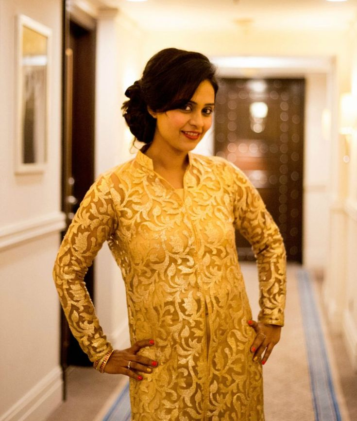 Have you already planned your Diwali look this year? Here are some latest Diwali Trends in clothes and accessories for Indian moms which you can use.
