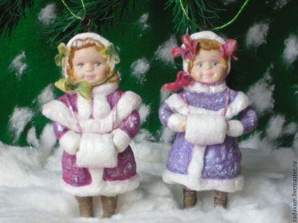 Купить или заказать Ватные ёлочные игрушки ' Дашенька и Лизонька' в интернет-магазине на Ярмарке Мастеров. Ёлочные ватные игрушки как воспоминание из далекого детства ... Легкие ,практически невесомые , украсят Вашу новогоднюю ёлку или станут приятным подарком Вашим детям ,родным или друзьям . Выполнены по старинной технологии с применением клейстера ,личики из папер - клея . Цена указана за 1шт.