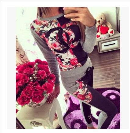 women floral pattern two piece casual set US $54.00 Specifics Style	Casual Gender	Women Decoration	Pattern Closure Type	None Brand Name	None Material	Cotton Pant Closure Type	Elastic Waist Collar	O-Neck Sleeve Length	Full  Click to Buy :http://goo.gl/t9O329