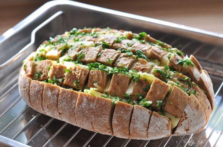 käse-zupfbrot-KaseZupfbrot03-Käse-Zupfbrot – Partybrot mit Kräutern und Käse
