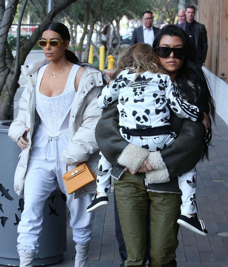 Kim Kardashian's Near-Miscarriage, Kourtney Kardashian On Co-Parenting - http://celebritybabyscoop.com/2017/09/25/kim-kardashians-near-miscarriage-kourtney-kardashian-on-co-parenting?utm_source=Pinterest&utm_medium=Social #KeepingupwiththKardashians #KendallJenner #KhloeKardashian #KimKardashian #KourtneyKardashian #KrisJenner #KUWTK #KylieJenner
