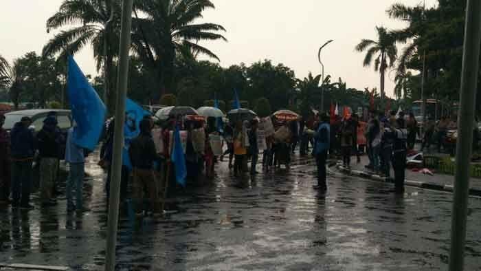 Buruh dan Mahasiswa Minta Walikota Tangerang Cabut Perwal Kebebasan Demo