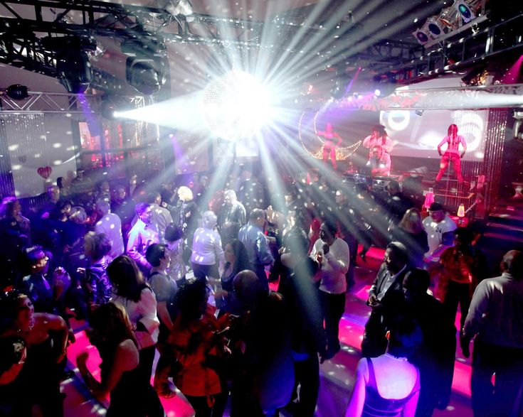 From night clubs to golf clubs night club for Disco night club