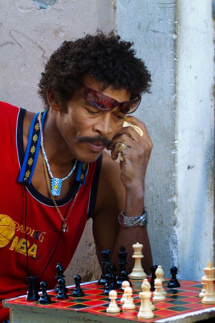 El juego del ajedrez en las calles de Cuba