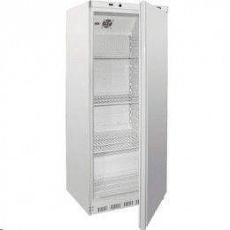 Armario frigorífico o congelador de 600 litros color blanco. Unidades de uso no intensivo con cerradura y compatibles GN 2/1, termostato electrónico y pantalla LED digital, ruedas traseras para una mayor maniobrabilidad, el frigorífico incluye 4 estanterías ajustables y el congelador 7 fijas. Sin CFC.