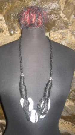 necklase only 8€