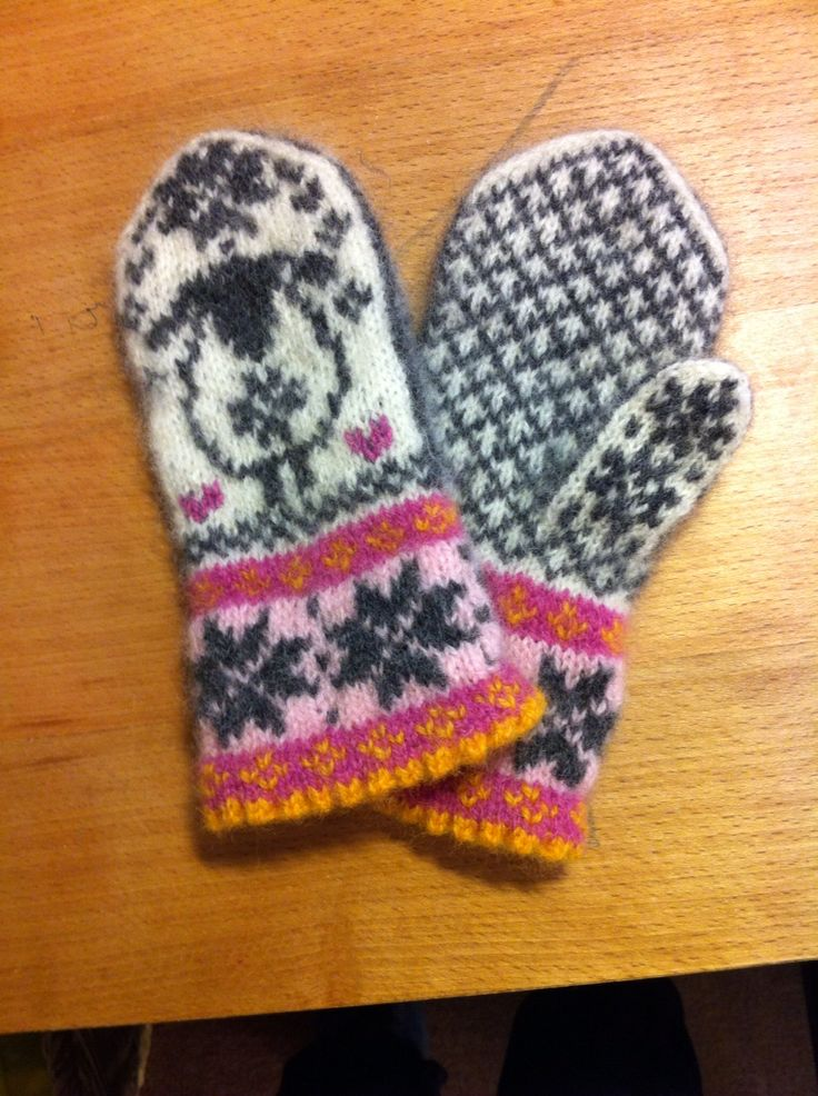 Children's sheep-mittens