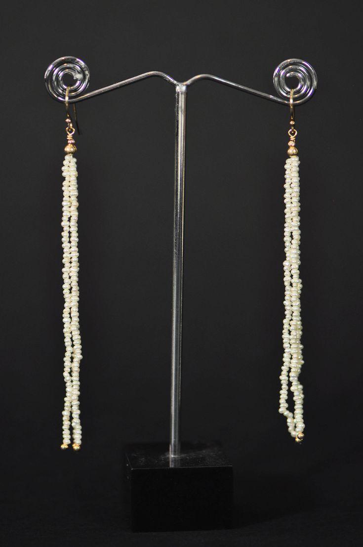 La St Valentin approche ! Les boucles assorties au bracelet Nésaea sont arrivées dans ma boutique Etsy: Boucles Nésaea - 3 rangs perles de culture finitions plaqué or http://etsy.me/2nJmyqE #stvalentin #bijoux #michkacreations #perles #plaqueor #bouclesdoreilles  #etsy