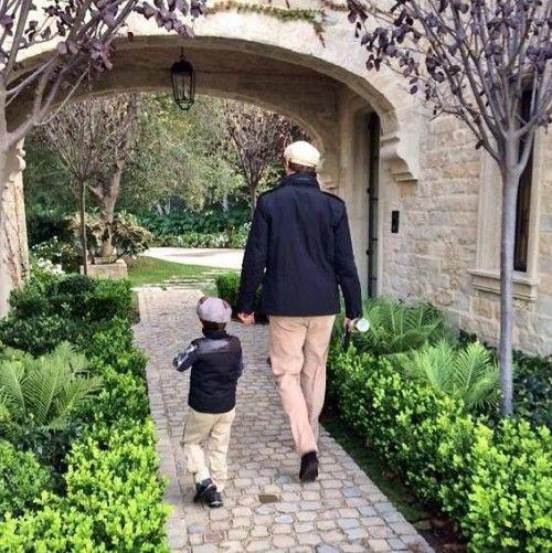 Home colors like tom Brady's    Tom Brady and Son Matching Outfits   Terez Owens