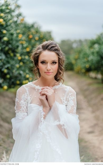 Pretty natural wedding makeup and gorgeous hair for the bride