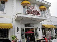 Rasa bakery & cafe  Jl. Tamblong No.15