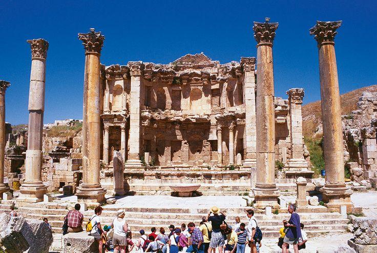 Salah satu sudut kota historis Jerash di Yordania yang menyimpan sejarah ratusan tahun.