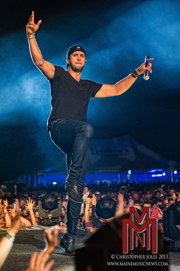 I wanna go to a Luke Bryan concert!!!