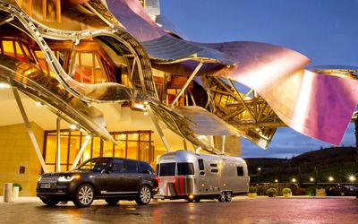 2013 Land Rover Range Rover and Airstream wallpaper