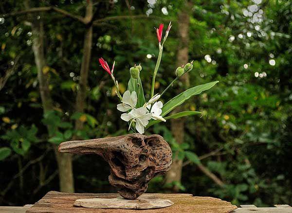 2005年 流木の花器ー6   金澤 尚