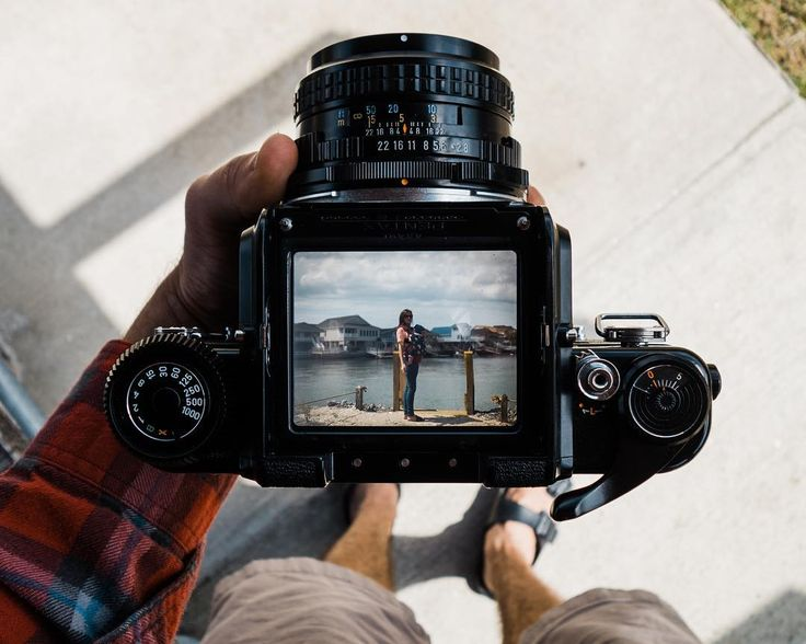 Checkout that viewfinder! We've been seeing a lot of great photos of Pentax 6x7! What is your favorite gear to go explore with?️