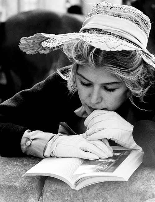 Rosamund Pike reading on the set of Pride and Prejudice (2005)
