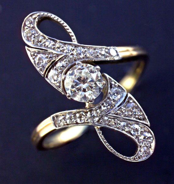 Beautiful art nouveau diamond ring