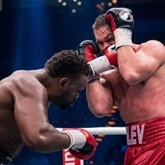 Kubrat Pulev of Bulgaria and Dereck Chisora of Britain in action