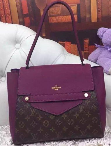 Louis Vuitton epi Joey wallet This is brand new with box and dust bag.. Yes…