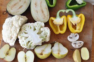 estampación con vegetales... tengo que probar para hacer un taller.