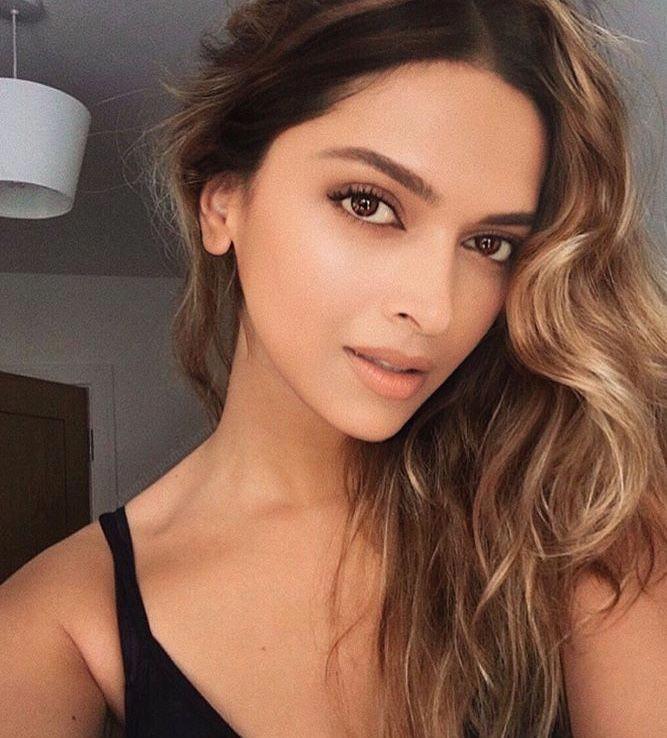 Deep ☺️   Deepika padukone hair, Hairstyle, Hair color asian