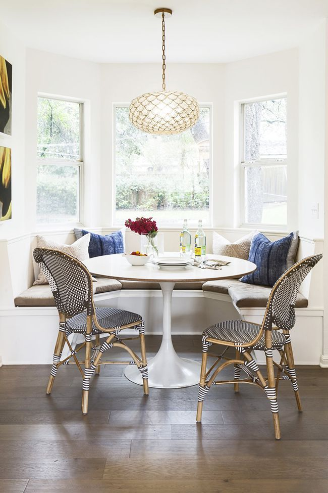 Best Breakfast Nook Ideas With Round Table