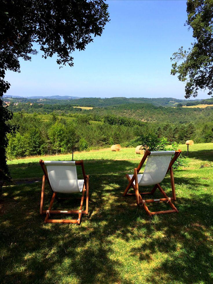 Petite parenthèse champêtre à côté du jardin potager #eyrignac #jardin #potager #campagne #champetre #chill #détente #dordogneperigord