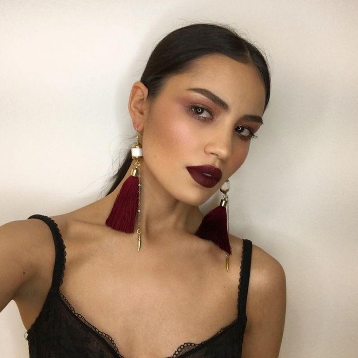 Irina Sharipova  Hazy eyes with a sharp dark lips!